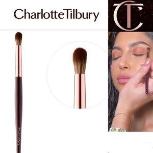 NEW! Charlotte Tilbury Eye Smudger Brush V2